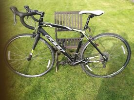 FELT F 100 ROAD / RACE BIKE. HARDLY USED. EXCELLENT CONDITION. 51 cm frame.