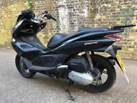 2013 Honda PCX 125cc scooter 125 cc moped delivery bike for spares or repairs.