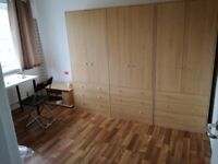 S3 near sheffield university signal bedroom 80ppw,double bed 90ppw