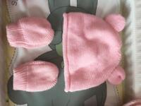 Hat and glove set 3-6 months