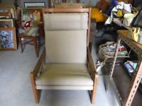 CHAIR SAFARI SLING STYLE WELL MADE SOLID WOOD FRAME WITH FABRIC SEAT VERY COMFY GOOD CONDITION £28