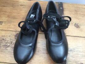 Tap shoes 1st position size 1