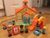 Happyland school set with extra school children