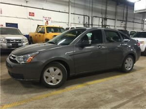 2009 Ford Focus LOW KM! AUTO!WE FINANCE!