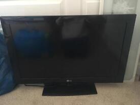 "LG 32"" LCD HD TV"
