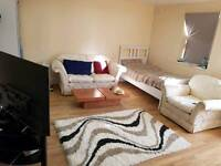 Studio double room with separate entrance and enuite wc and kitchen inc bills