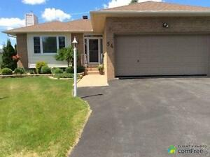 $249,900 - Bungalow for sale in Bainsville