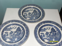3x Wedgwood of Etruria & Barlaston Willow Pattern Side/Tea Plates Royal Mail Delivery