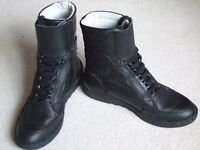 Hein Gericke ladies leather motorcycle boots size 6 (rarely worn) and leather gloves size 8
