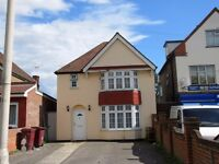 3 Bedroom Detached Property to Rent on Basingstoke Road.