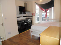 Large Studio Flat Gas and water included in rent thornton Heath
