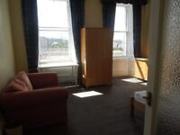 City Centre Flat for rent within a great location close to all public transport and shops