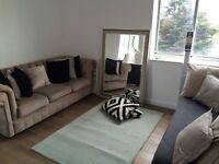Double room with living area in Manor park, £850 all incl.