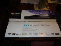 SONY BDP-S570 BLU-RAY/DVD PLAYER WITH 6 REGION 1 DISCS