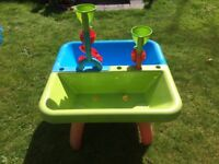 Sand and water playtable