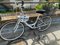Elswick Costwolds ladies bike with basket and accessories