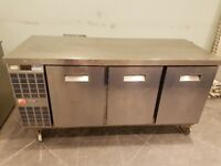 COMMERCIAL COUNTER ELECTROLUX BENCH FRIDGE 3 DOORS WORKTOP FRIDGE