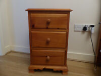 Bedside cabinets (x 2)