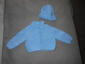 HAND KNITTED NEW BABY BOYR JACKET & HAT AGE 0/3MTHS