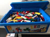 Lego starter set plus 700 assorted bricks- boxed