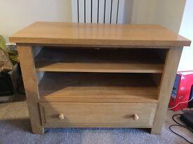 Beautiful solid oak TV cabinet unit £149 ono