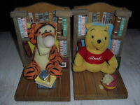 Disney Winnie The Pooh & Tigger Story Book Ends.