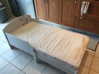 Girl's butterfly bed in good condition (kid's / child's bed) with mattress