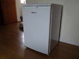 Beko LA 620 W under counter fridge