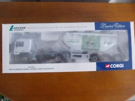 Corgi CC12010 MAN Feldbinder Tanker - LAFARGE ZEMENT