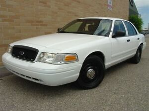2010 Ford Crown Victoria Police Interceptor. Only 132000 Km!