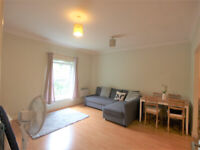 Large 1 bed apartment located in a purpose built block in North Finchley