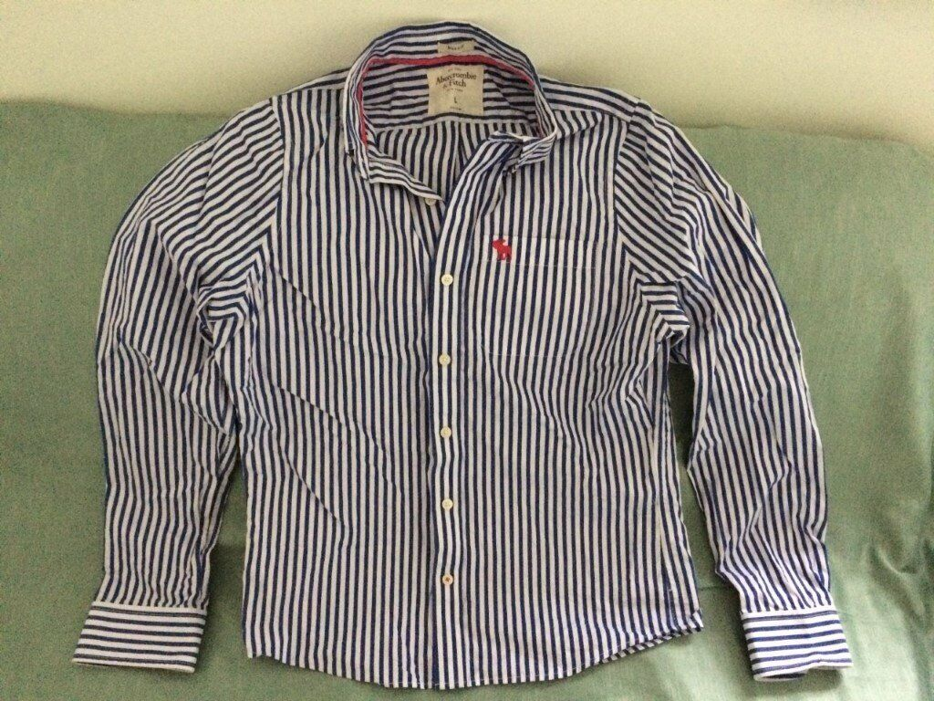 caeec58b384 Abercrombie   Fitch men s white and navy blue striped shirt (large  muscle  fit) (never worn) REDUCED