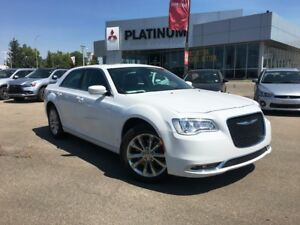 2016 300 AWD Leather Seat, Panoramic Sunroof, *approved*