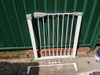 Lindam safety stair gate used but still in good condition £10