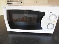 Currys Essentials Microwave, 17L capacity, 700w power, 5 power levels, manual controls
