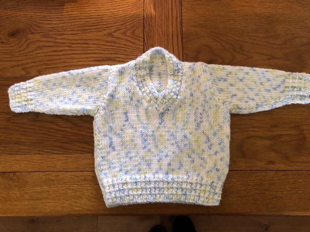 a20662cc4 New hand knitted baby jumper. Size to fit 3 6 months. £7.50 ono