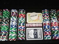 Large ALUMINIUM CASE OF POKER CHIPS TEXAS HOLD'EM