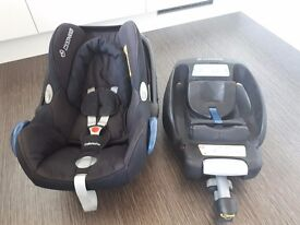 Maxi Cosy Cabriofix Car Seat with Isofix Base