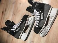 Bauer supreme 700 ice scates size 5/6