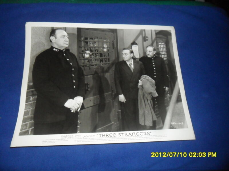 1946 THREE STRANGERS PETER LORRE  PRESS KIT PHOTO THE JAIL CELL SCENE