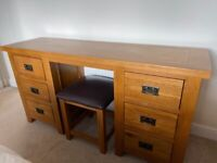 Solid wood dressing table with stool