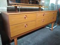 1970s Vintage dressing table / chest of drawers