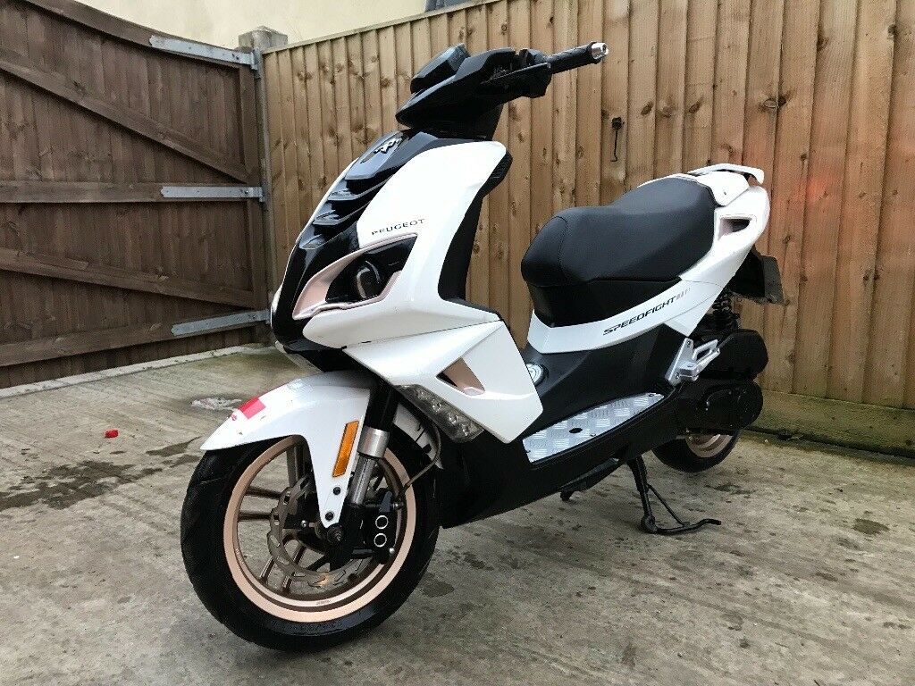 Scooter Moped Peugeot Speedfight 4 2015 4500miles Not Aerox