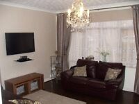 Beautifully presented 3 Bed House in Chigwell(The Lowe)