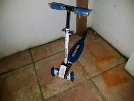 Boys Tri-scooter