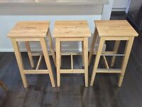 3 Stools in pine wood like New