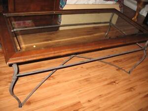 Table de salon, cadrage de bois dur, vitré au centre et métal Saint-Hyacinthe Québec image 2