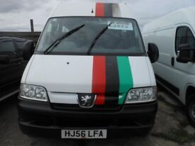PEUGEOT Boxer 2.8 Window Van ( MINIBUS) 17 Seats