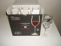 Six wine glasses. New unused. Gradevole Vinoteque Italian.