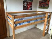 Kids shorty bed